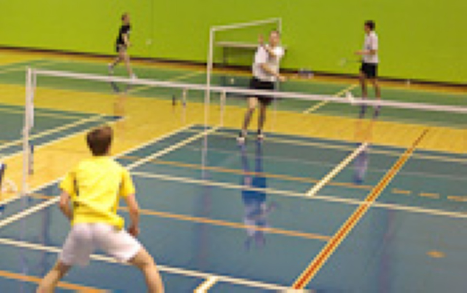 Badminton at the centre sportif Josée-Faucher | Laval Families Magazine | Laval's Family Life Magazine